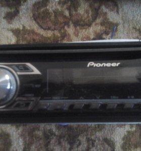 Машинный магнитофон с колонками новый