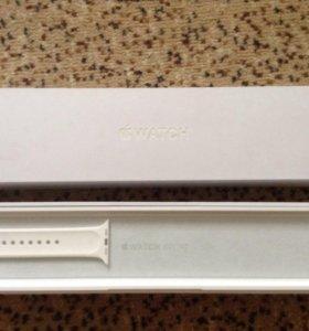 Коробка и запасной ремешок к Apple WATCH SPORT42mm