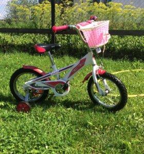 Детский велосипед для девочки.