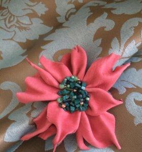 Цветок из итальянской кожи (брошь или заколка)