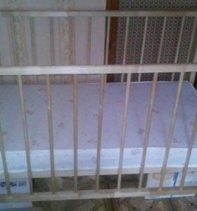 Продается детская кроватка с матрасом
