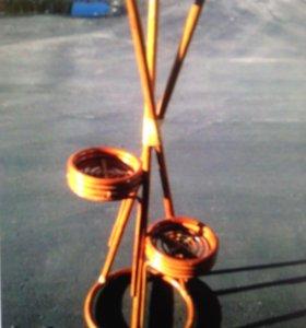 Продам напольную плетеную подставку для цветов из ротанга (Малайзия).