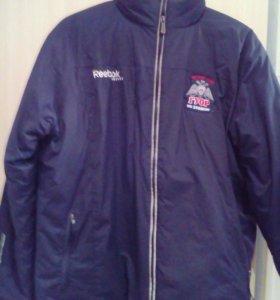 Куртка Reebok.