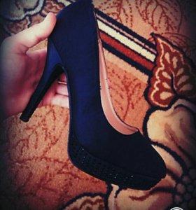 Туфли ,на высоком каблуке