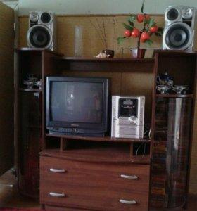 Горка (тумба с телевизором)