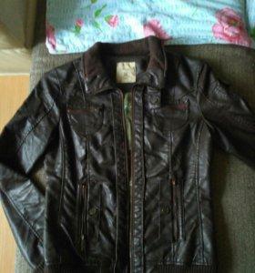 Кожаная куртка 44 р