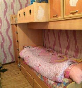 Кровать двухъярусная(со шкафами)