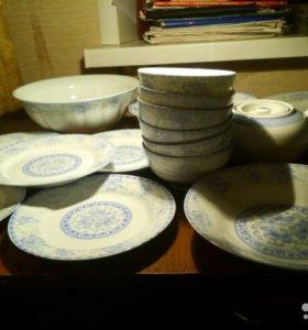 Новый комплект фарфоровой посуды