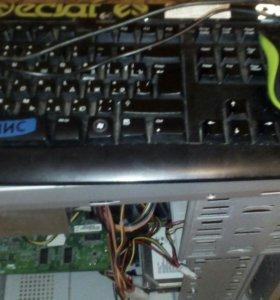 Пк с клавиатурои и мышью