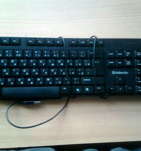 Две новых ,стандартных клавиатуры.