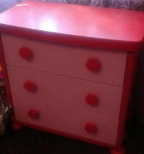 Комплект мебели для девочки.