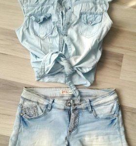 Топ и джинсовые шорты