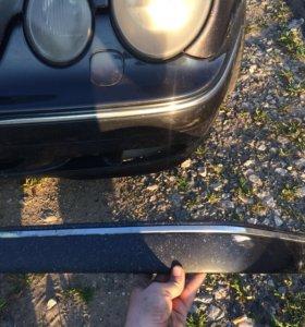 Молдинг переднего бампера левый мерседес w210