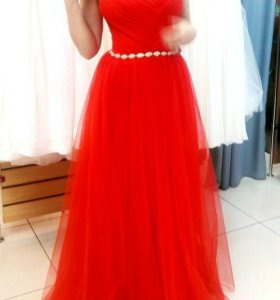 Шикарное вечернее платье из салона