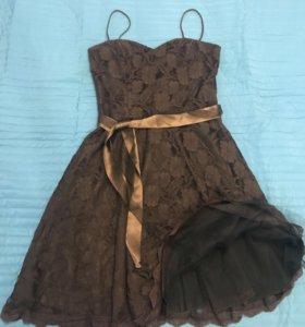 Кружевное платье для торжественных случаев