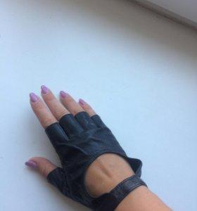 Кожаные полу-перчатки 🖤