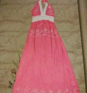Платье длинное новое 44