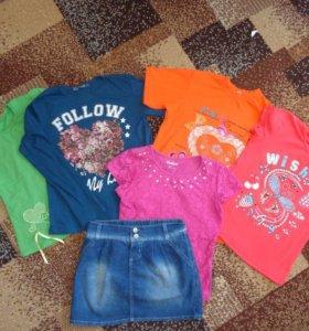 Джинсовая юбка и футболки на девочку