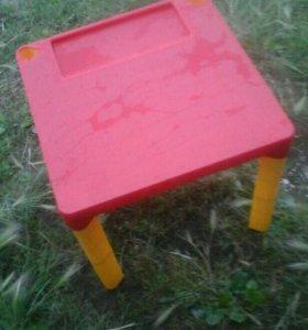 Детский стол