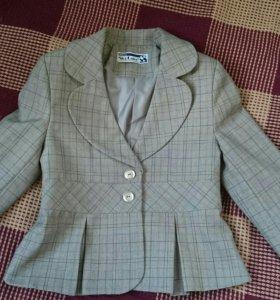 Пиджак школьный.