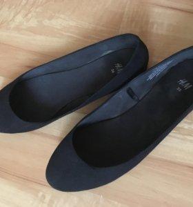 Обувь 2 пары по 300р размер 38 и последние 37