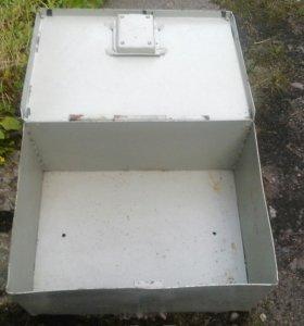 Сейф-шкаф металический. 35х47 см.