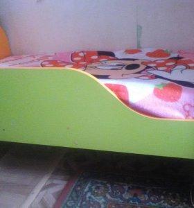 детская кроватка для ребенка от 1года до5 лет
