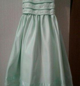 Платье на девочку на 6-7 лет