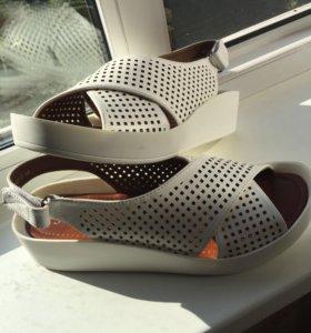 Обувь женская , новые