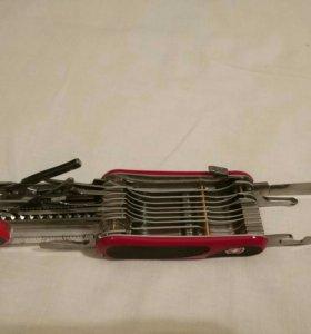 Нож перочинный Victorinox EvoGrip