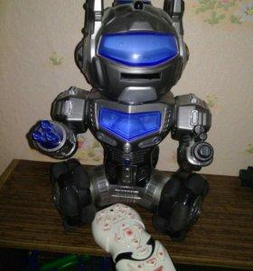 Робот интерактивный (говорящий)