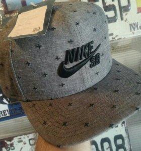 Кемпа бомбер Nike