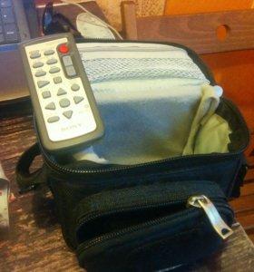 Видеокамера Sony Handycam DCR-SR65 (40GB)