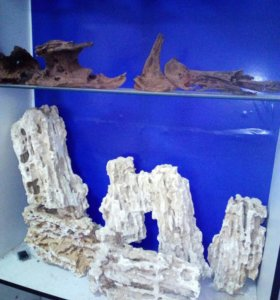 Декоративные камни и аквариумы на Оборонной