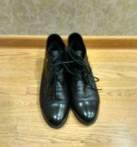 Ботинки женские 35р-р