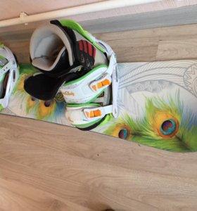 Женский комплект сноуборд и ботинки