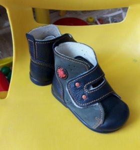Ботинки натуральная кожа 18 размер