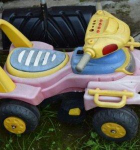 Автомобиль детский на аккумуляторе. Б/у