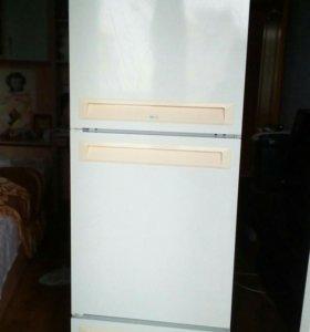 Холодильник Стинол no-frost 3-х каменный