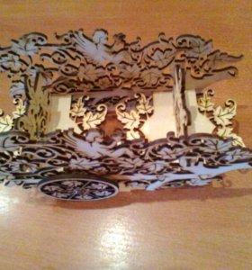 Корзина-тележка из виноградной лозы с ангелами