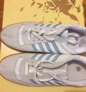 Абсолютно новые кеды кроссовки