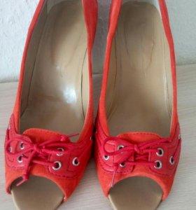 Туфли замшевые красные