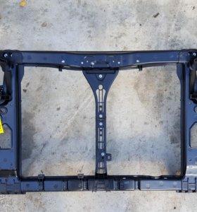 Рамка радиатора Hyundai Elantra IV (HD)