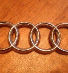 Продается эмблема решетки автомобиля Audi