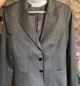 Школьная форма(пиджак, жилетка, юбка)