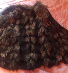 Меховая жилетка(чернобурка)