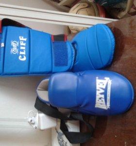 Футы для бокса, кикбоксинга, тайского бокса