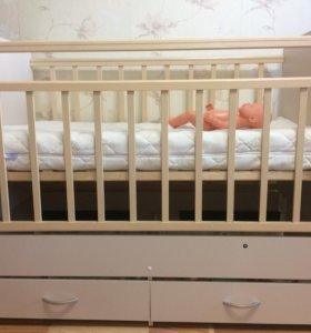 Детская кроватка-трансформер + матрасик
