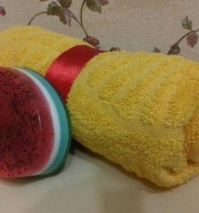 Набор:мыло-скраб ручной работы с маком + полотенце