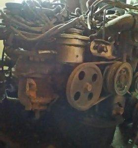 Продам двигатель в сборе на запчасти